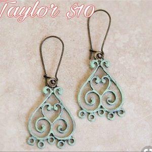 Plunder Taylor Earrings